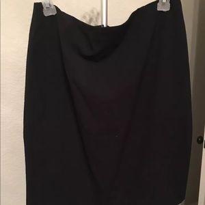 Womens large forever 21 black skirt, preowned